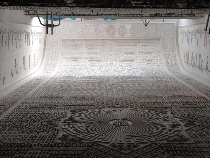 گچبری گره در نورگیر مسجد علوی- ارتفاع کار 22 متر